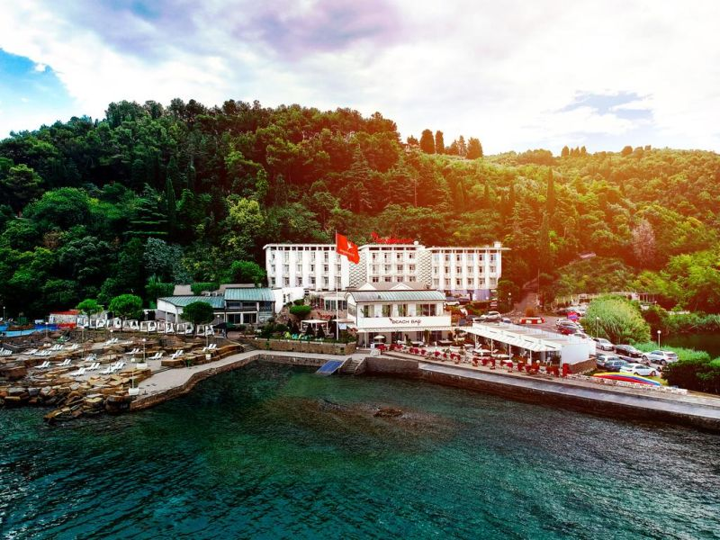 Barbara Piran Beach Hotel & Spa is located in the most beautiful, greenest and quietest part of the Slovenian coast, directly on the seaside.