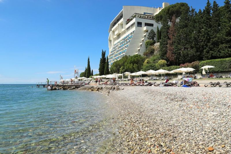 Grand Hotel Bernardin forms a part of a prestigious St. Bernardin hotel complex with a private beach, situated between Piran and Portorož.