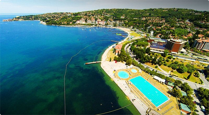 """Portoroz, the """"Bay of Roses"""" is the most renowned tourist locality of the Slovenian coast, thanks to the elevated quality of the hotel offer, to the rich cultural and congressional activities and to the varied possibilities of entertainment, the first being the Casino."""