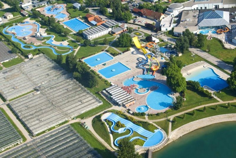 Hotel Terme. Located within the Čatež Thermal Spa complex, Hotel Terme offers a health and beauty center with an indoor and outdoor swimming pool and a sauna zone