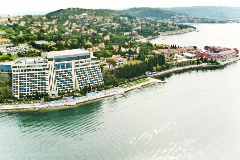 The Grand Hotel Bernardin is the biggest convention center in Slovenia. The services exceed the quality of 5 stars in many aspects. The hotel and its surroundings is an ideal place for a perfect holiday on the Slovenian coast.
